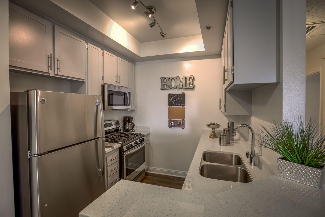 $3075 Studio Apartment for rent