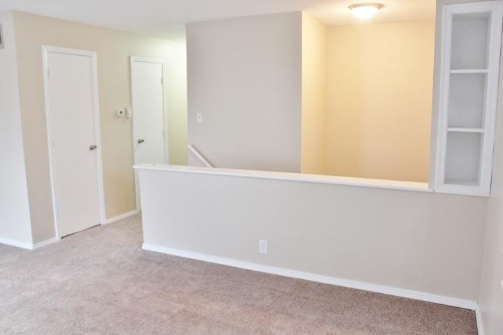 $990 Three bedroom Apartment for rent