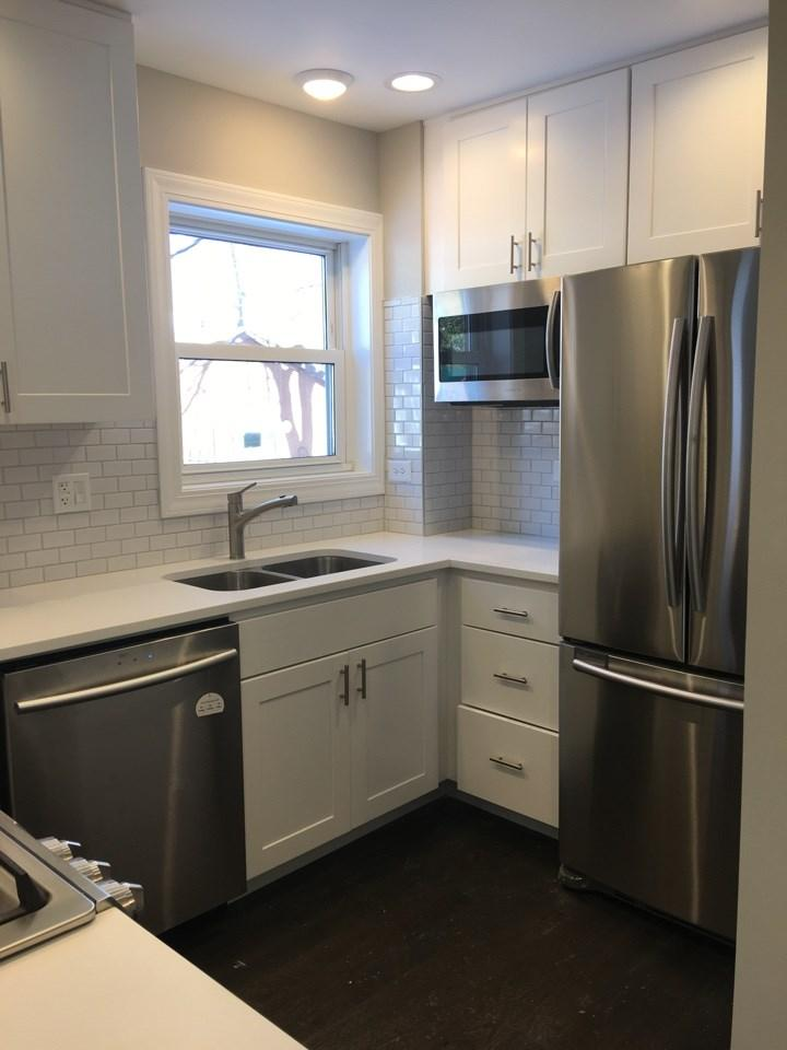 $2825 Three bedroom Apartment for rent