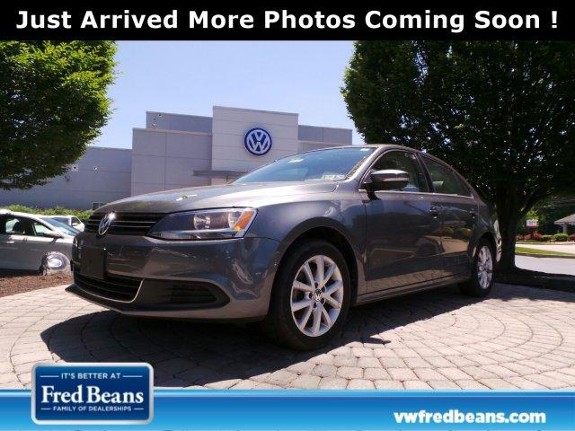 Volkswagen Jetta Sedan SE w/Connectivity/Sunroof 2014