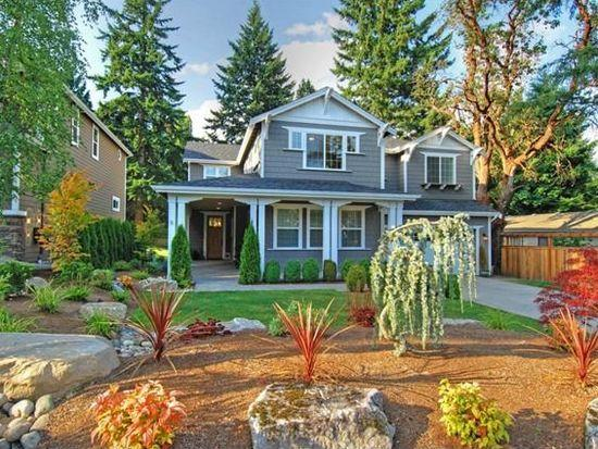 CLOSE PROXIMITY TO DOWNTOWN BELLEVUE