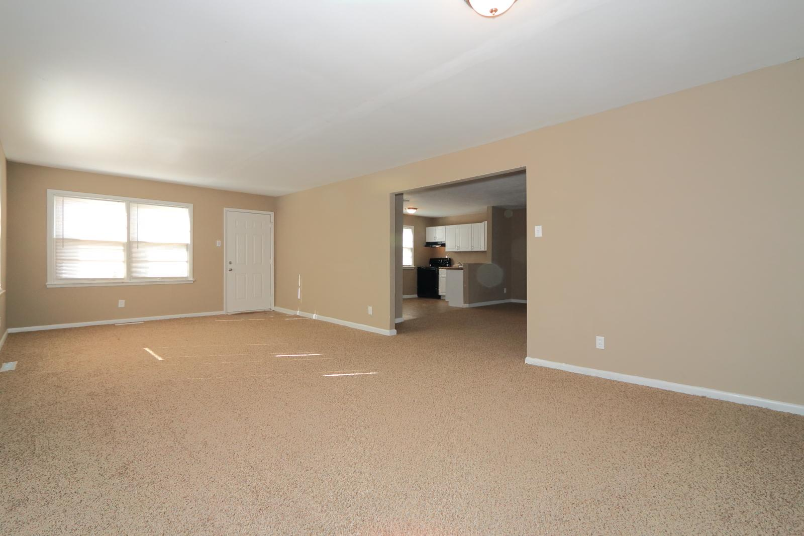 $1210 Three bedroom Apartment for rent