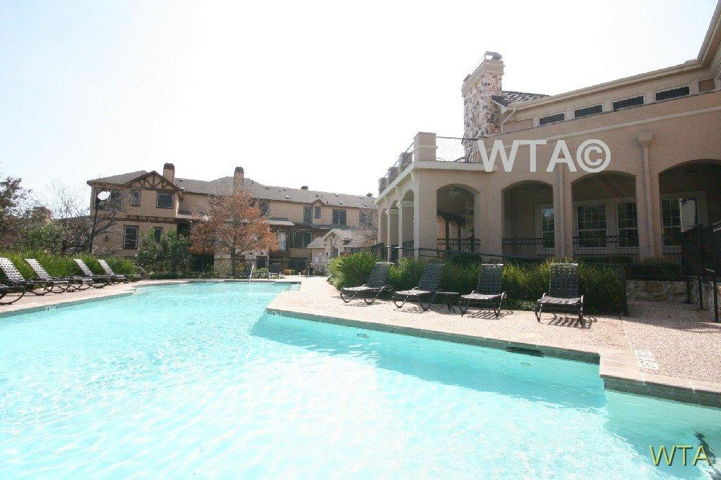 $999 One bedroom Townhouse for rent