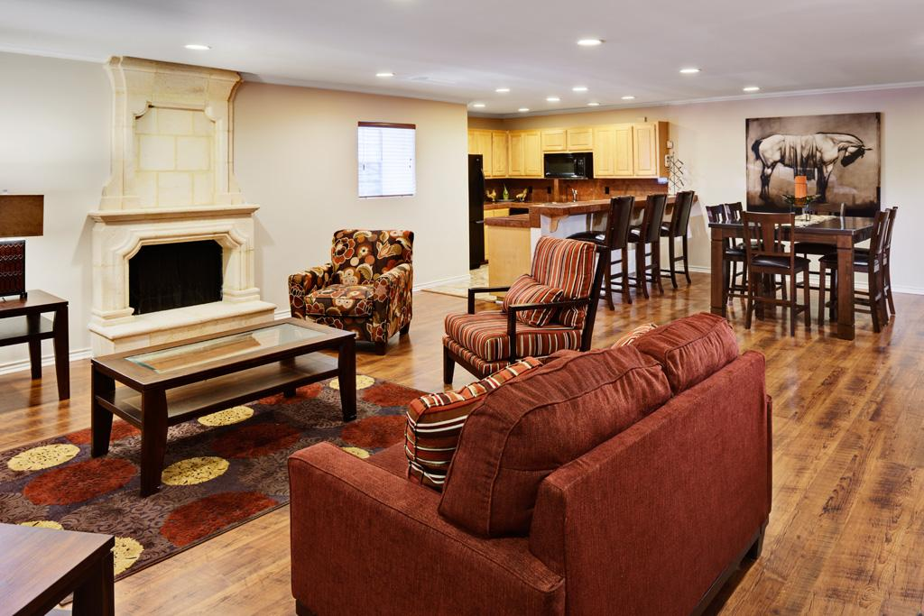 $2049 Three bedroom Apartment for rent