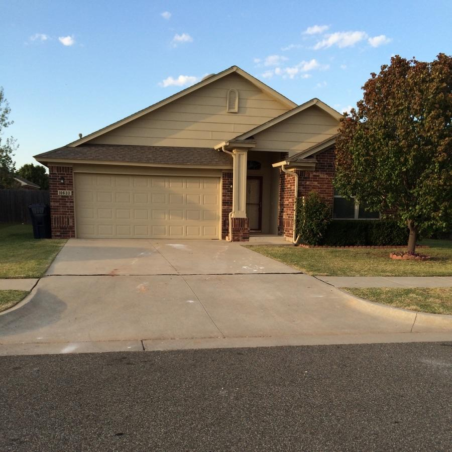 $1145 Three bedroom Apartment for rent