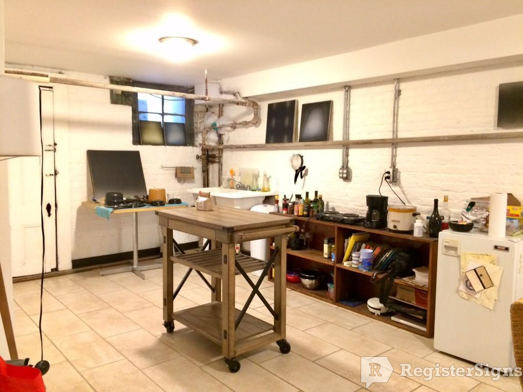 $1550 Studio House for rent