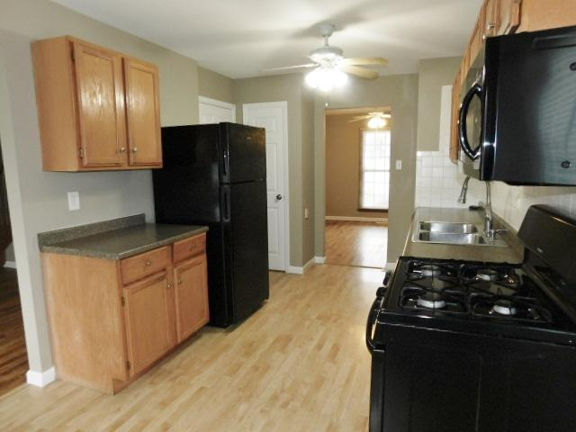 $1425 Four bedroom Apartment for rent