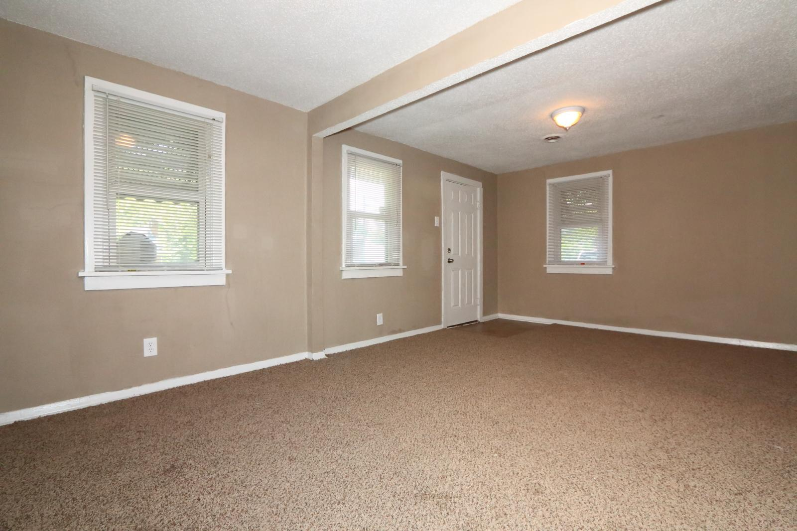 $720 Three bedroom Apartment for rent