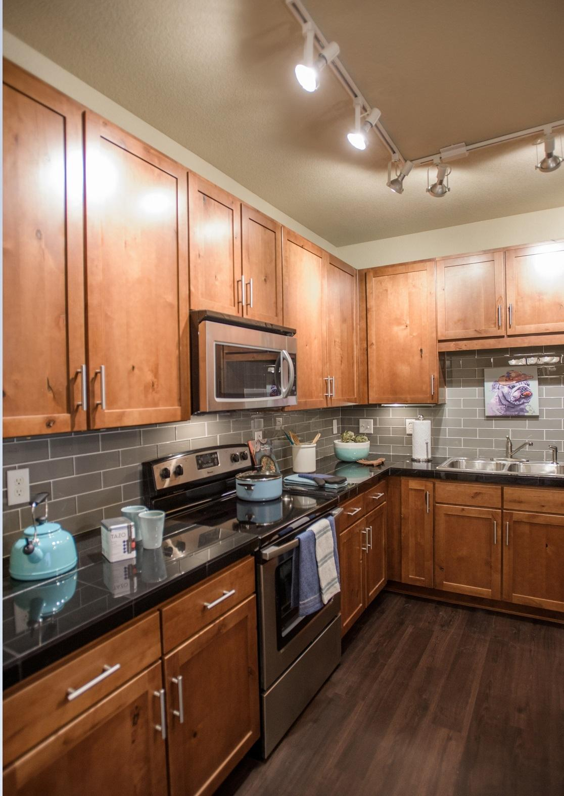 $1901 Three bedroom Apartment for rent
