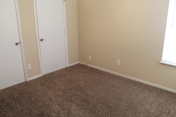 $950 Three bedroom Apartment for rent