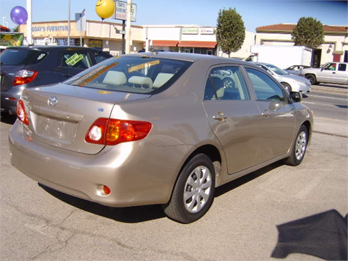 2015 / TOYOTA COROLLA LE contact at (605655-8913)