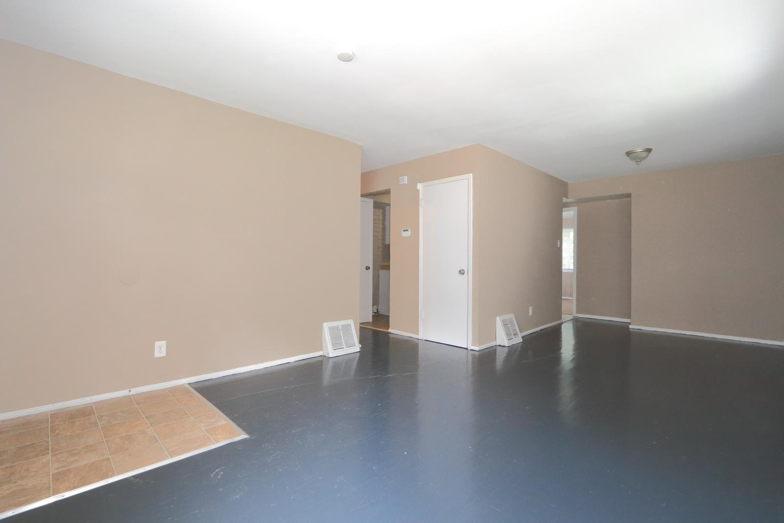 $890 Four bedroom Apartment for rent