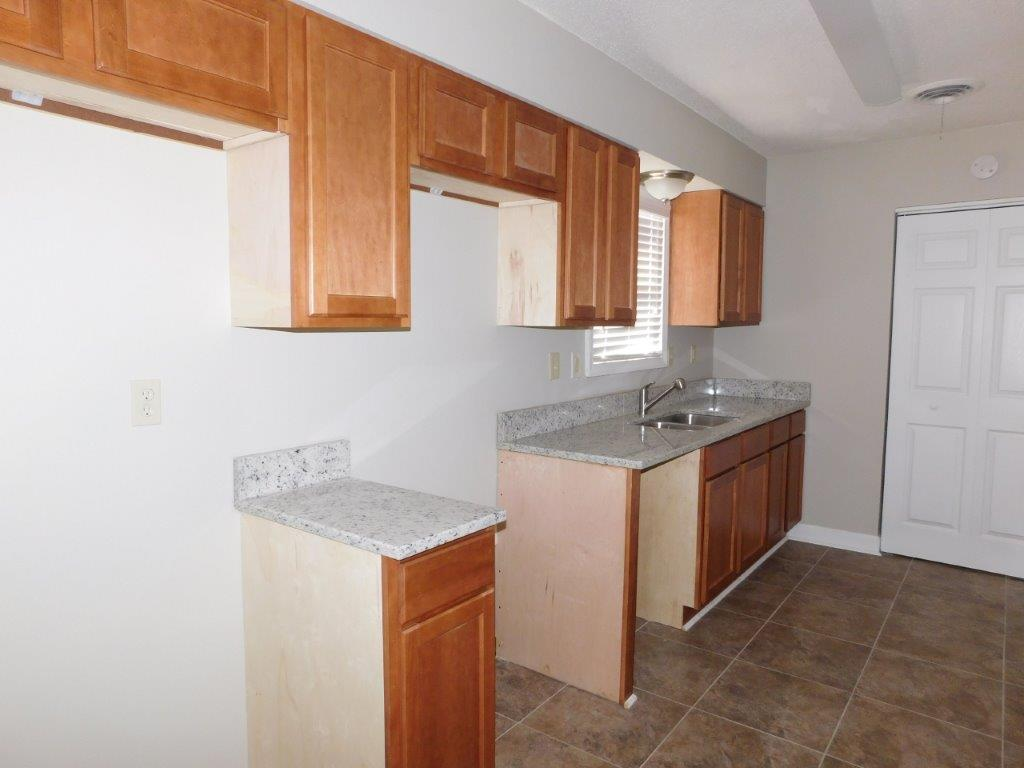 $845 Three bedroom Apartment for rent