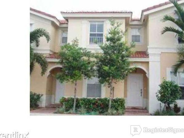 $1795 Three bedroom Townhouse for rent