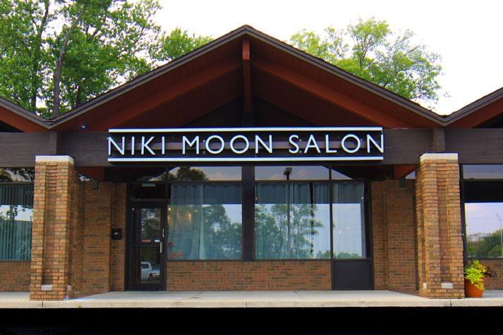 Niki Moon Salon
