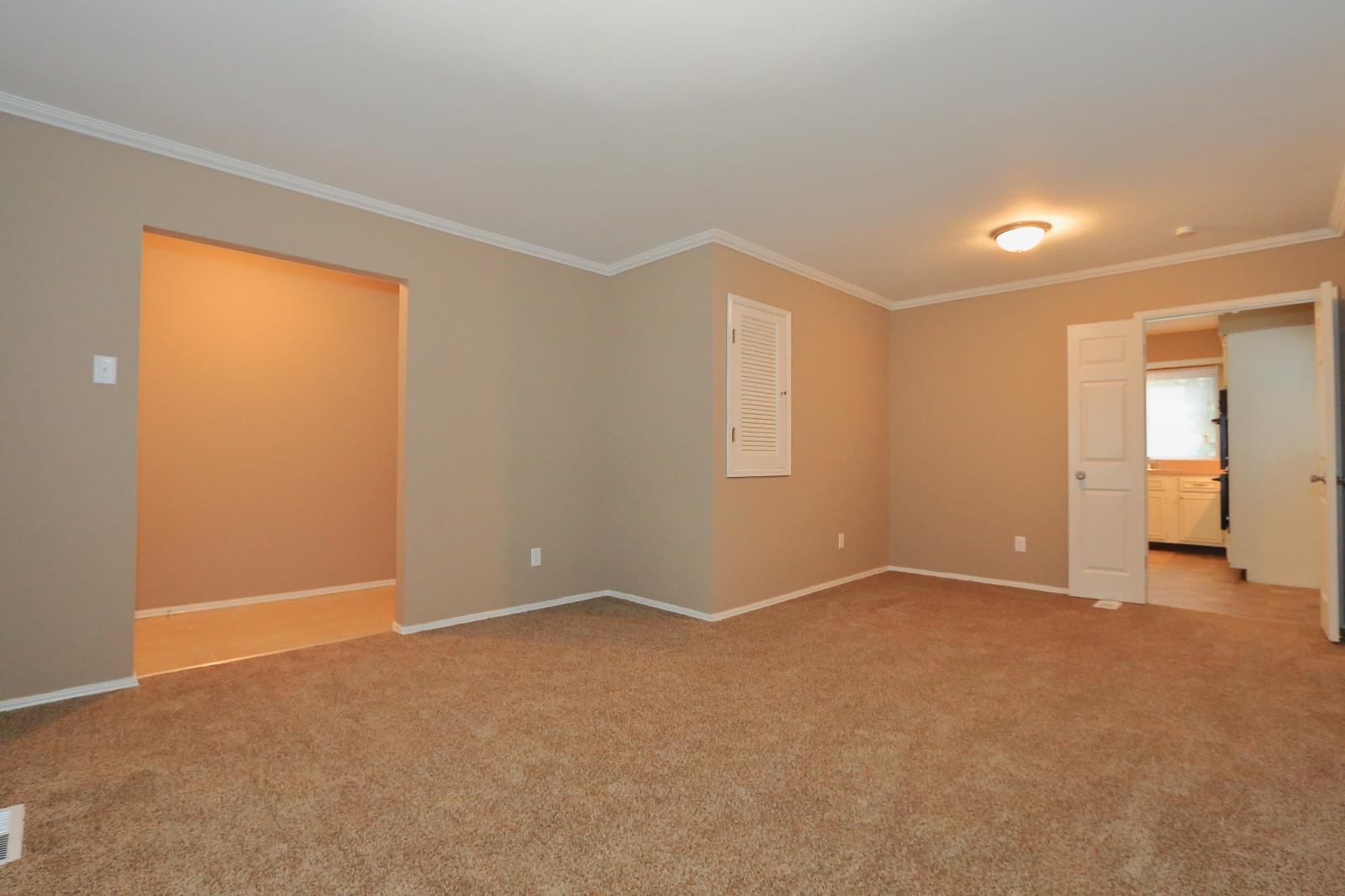 $1400 Three bedroom Apartment for rent