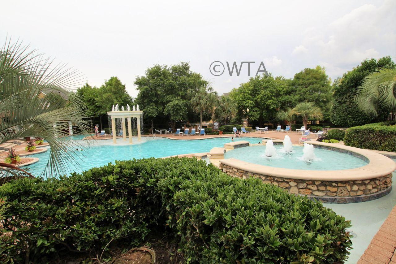 $1385 Three bedroom Apartment for rent
