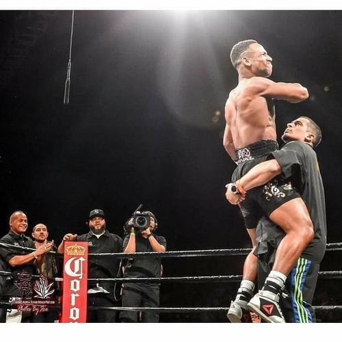 SATURDAY NIGHT FIGHTS - LIVE CHAMPIONSHIP BOXING