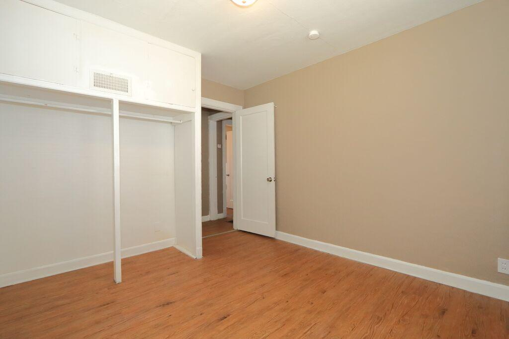 $700 Two bedroom Apartment for rent