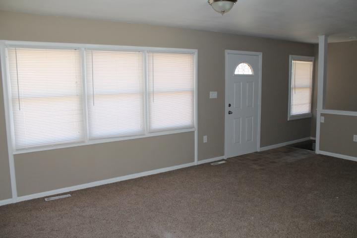 $975 Four bedroom Apartment for rent
