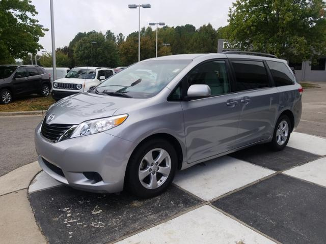 Toyota Sienna 5dr 8-Pass Van V6 LE FWD 2014