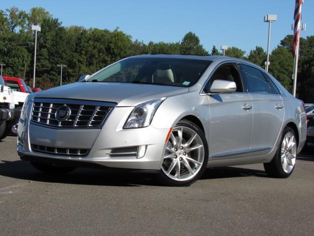 Cadillac XTS 4dr Sdn Premium FWD 2013
