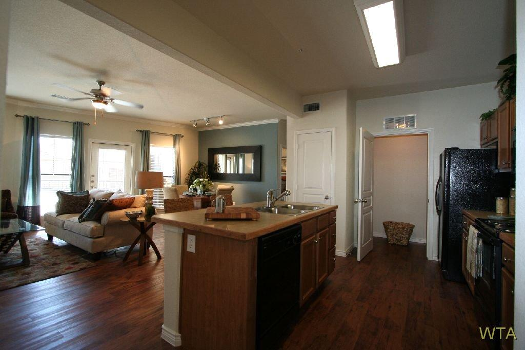 $1422 Two bedroom Apartment for rent