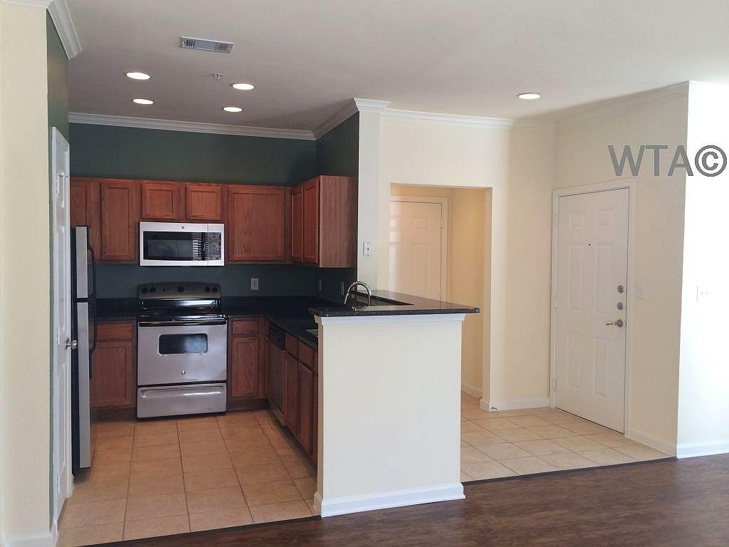 $1329 Three bedroom Apartment for rent