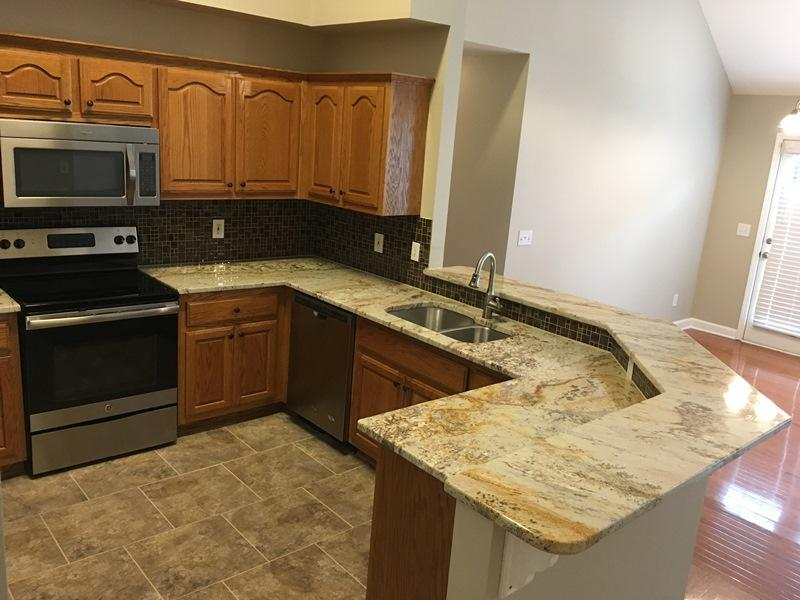 $1995 Three bedroom Apartment for rent