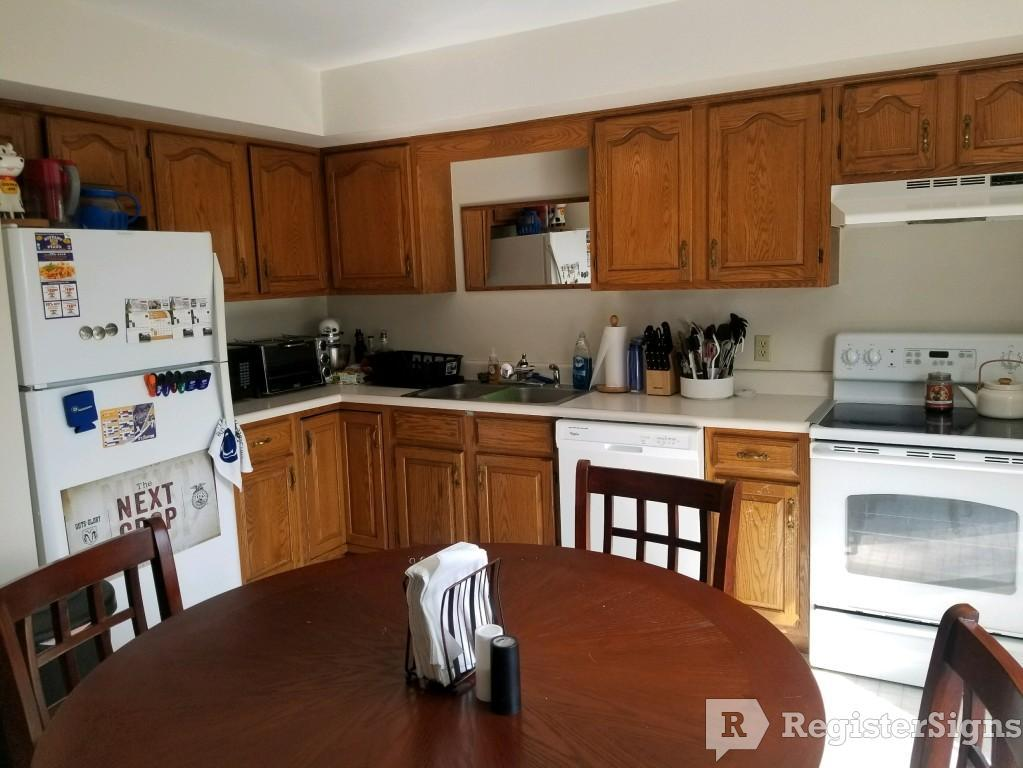 $975 Two bedroom Townhouse for rent