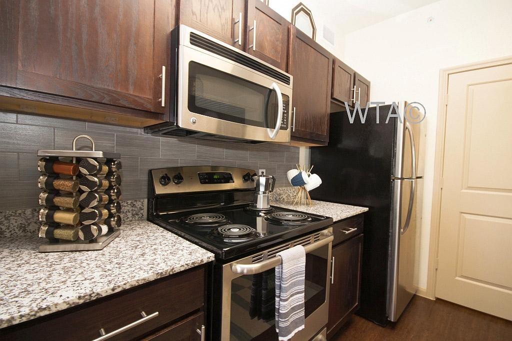 $1042 Two bedroom Apartment for rent