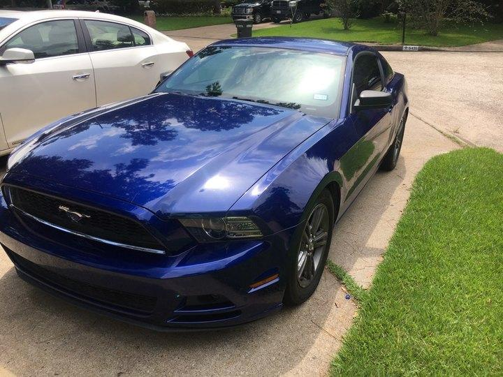 Ford Mustang 2D Coupe Base 2013