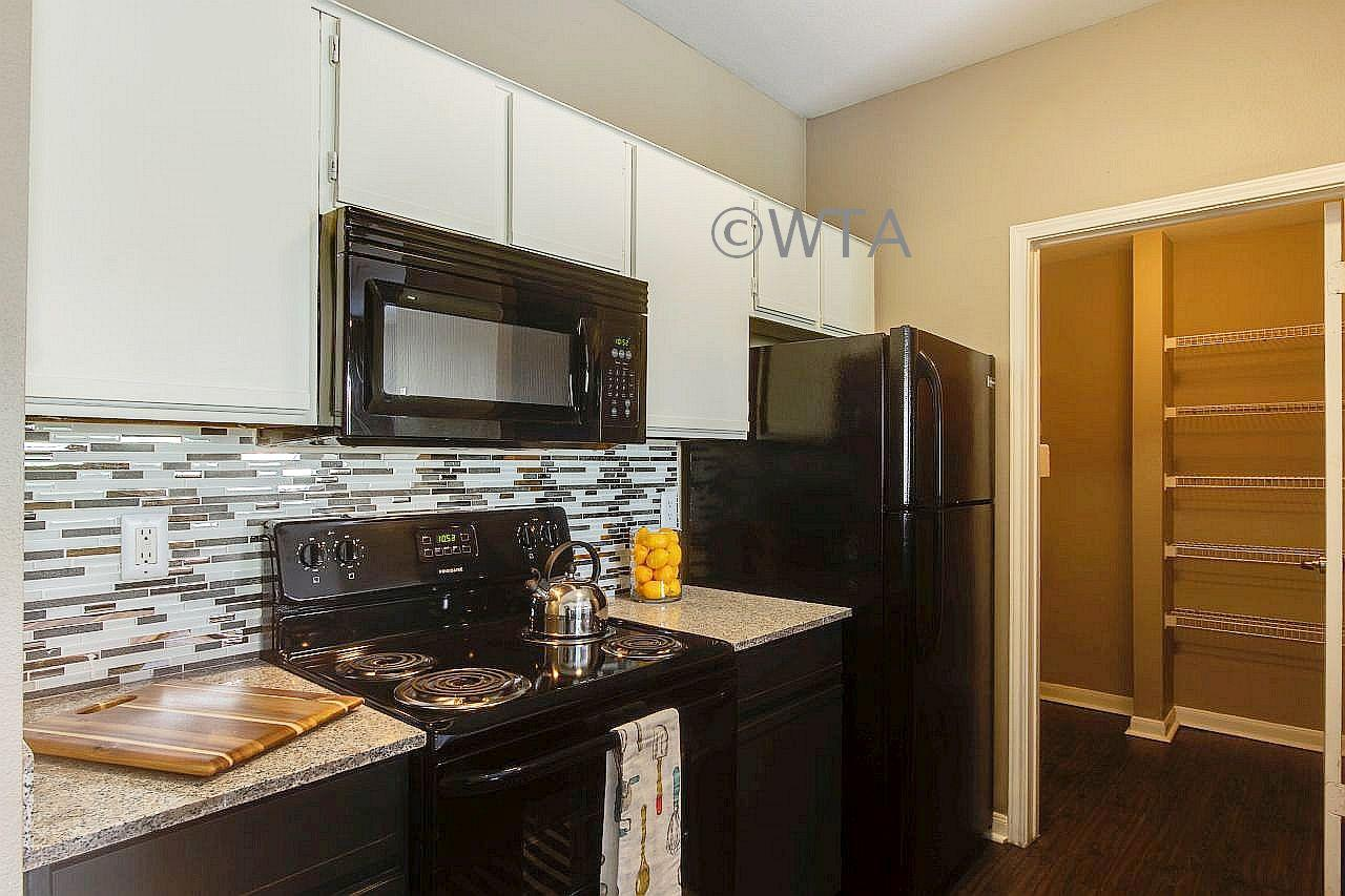 $1335 Three bedroom Apartment for rent