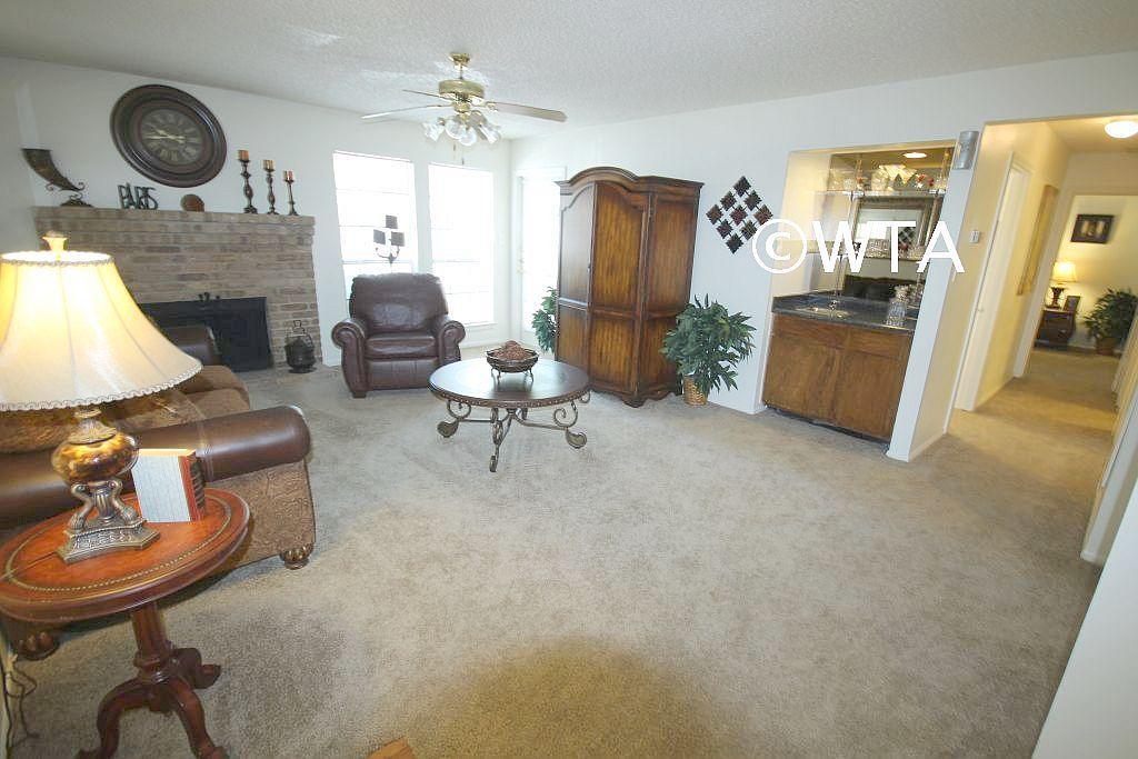 $814 One bedroom Loft for rent