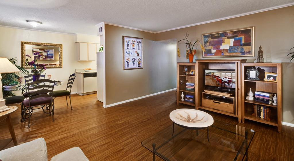 $2112 Three bedroom Apartment for rent