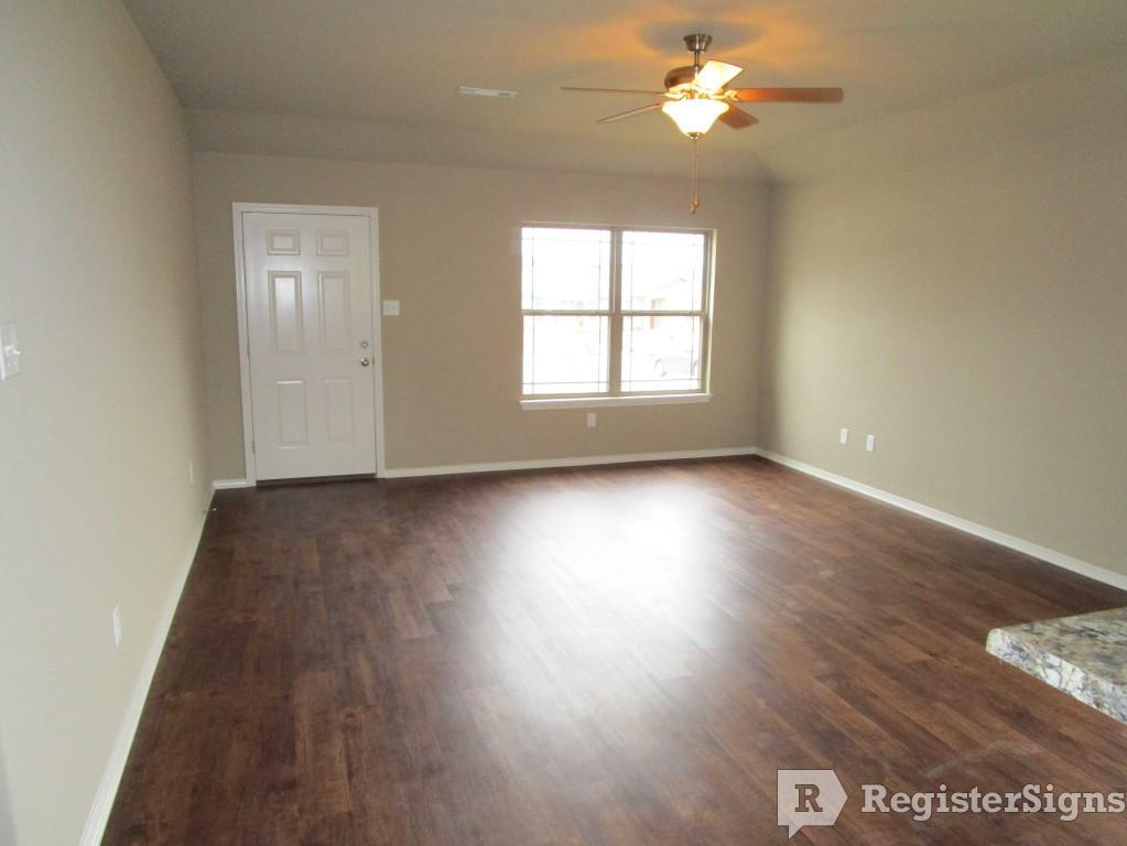 $1250 Three bedroom House for rent