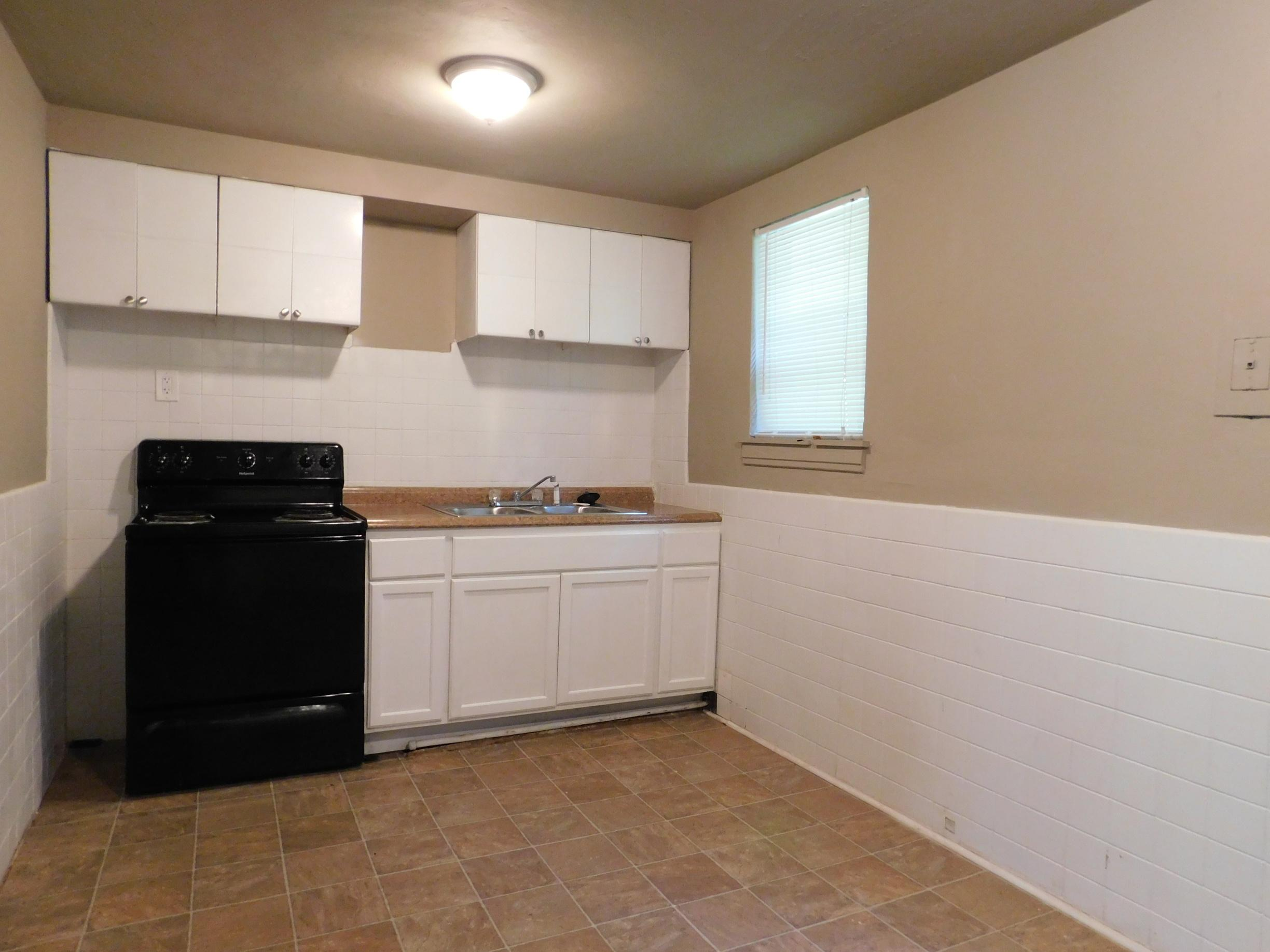 $725 Three bedroom Apartment for rent