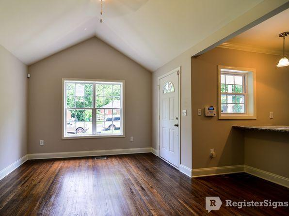 $1295 Two bedroom Townhouse for rent