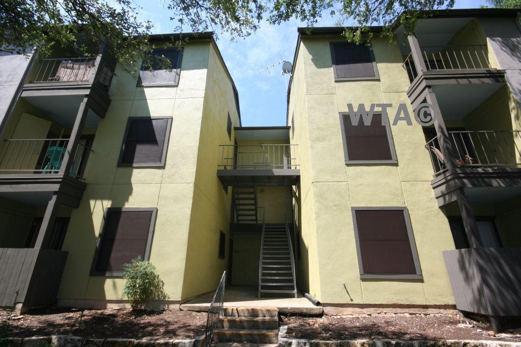 $825 One bedroom Loft for rent