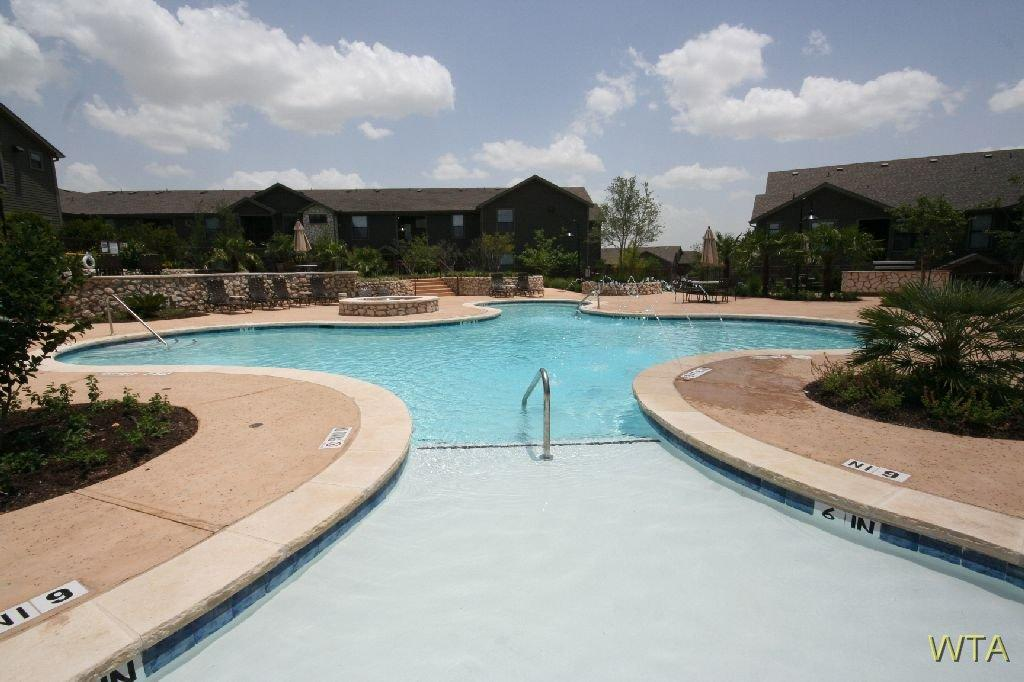 $913 One bedroom Apartment for rent