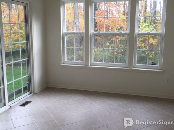 $1400 Three bedroom Townhouse for rent