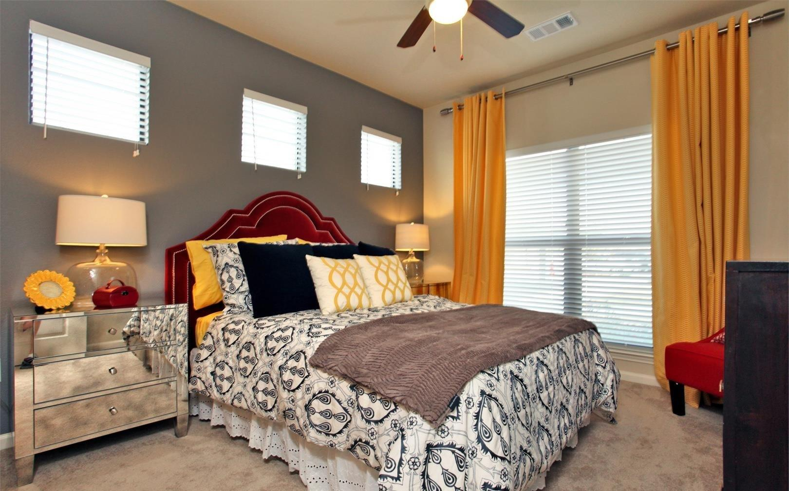 $1805 Three bedroom Apartment for rent