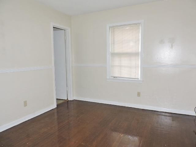 $935 Three bedroom Apartment for rent