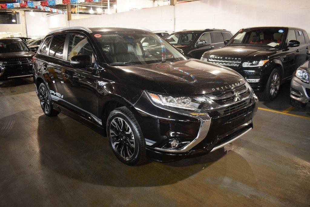 Mitsubishi Outlander PHEV SEL 2018