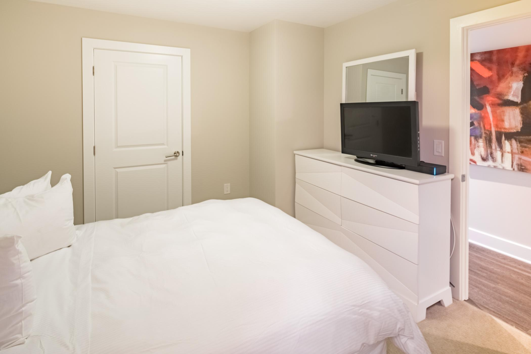 $6480 One bedroom Apartment for rent