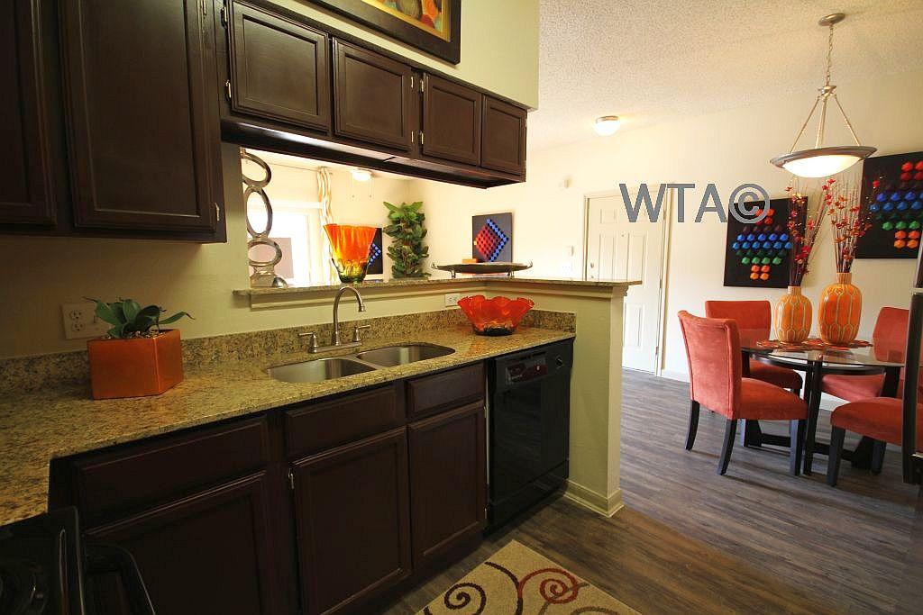 $952 One bedroom Loft for rent