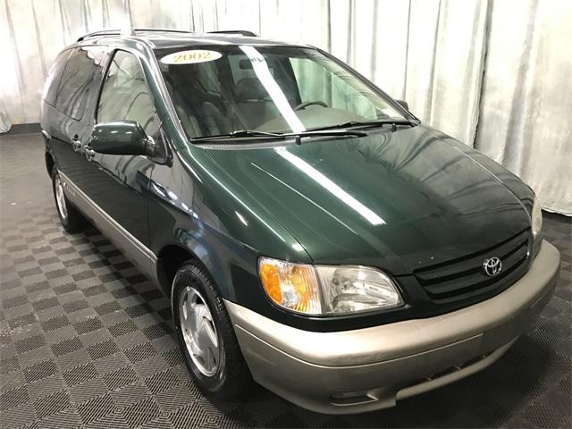 Toyota Sienna XLE 2002
