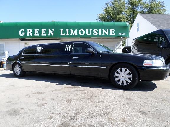A A Elegant Limousine
