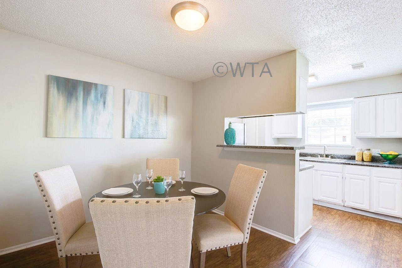 $840 Two bedroom Apartment for rent