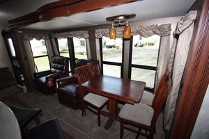2015 Brand New Fifth Wheel